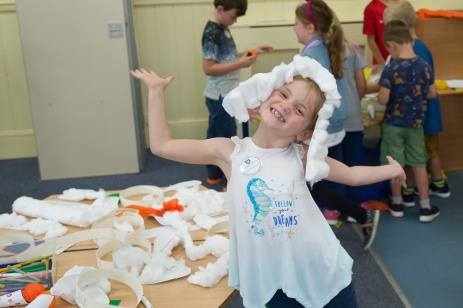 Holiday Club Weds 11-21